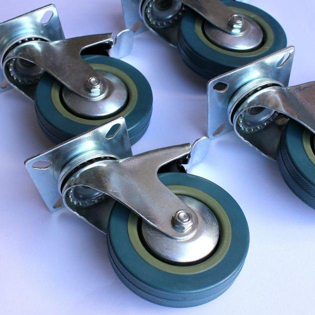 billige møbelhjul fra kreahobshop til at skrue under pallemøbler osv