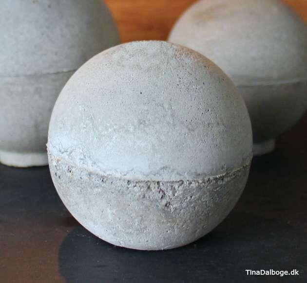 Sådan kan man støbe en kugle af beton fra kreahobshop