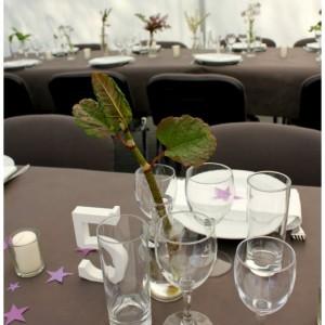bordpynt og borddækning til fest og konfirmation i maj måned tinadalboge